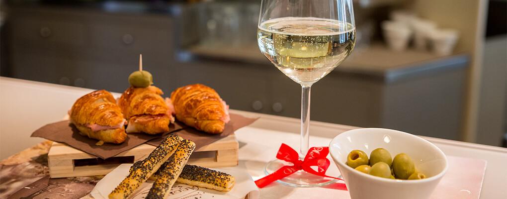 Salati per aperitivo - Pasticceria Acquario