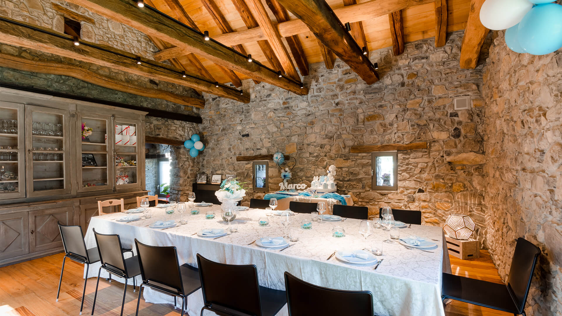 Come Addobbare Un Tavolo Per Confettata idee per il rinfresco di battesimo: location, addobbi e menu